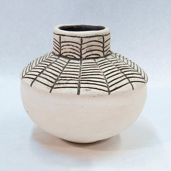 White Clay Pot with Spider Web Design (90:126)