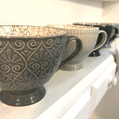 Set of 4 Grey Tea Cups Close-Up