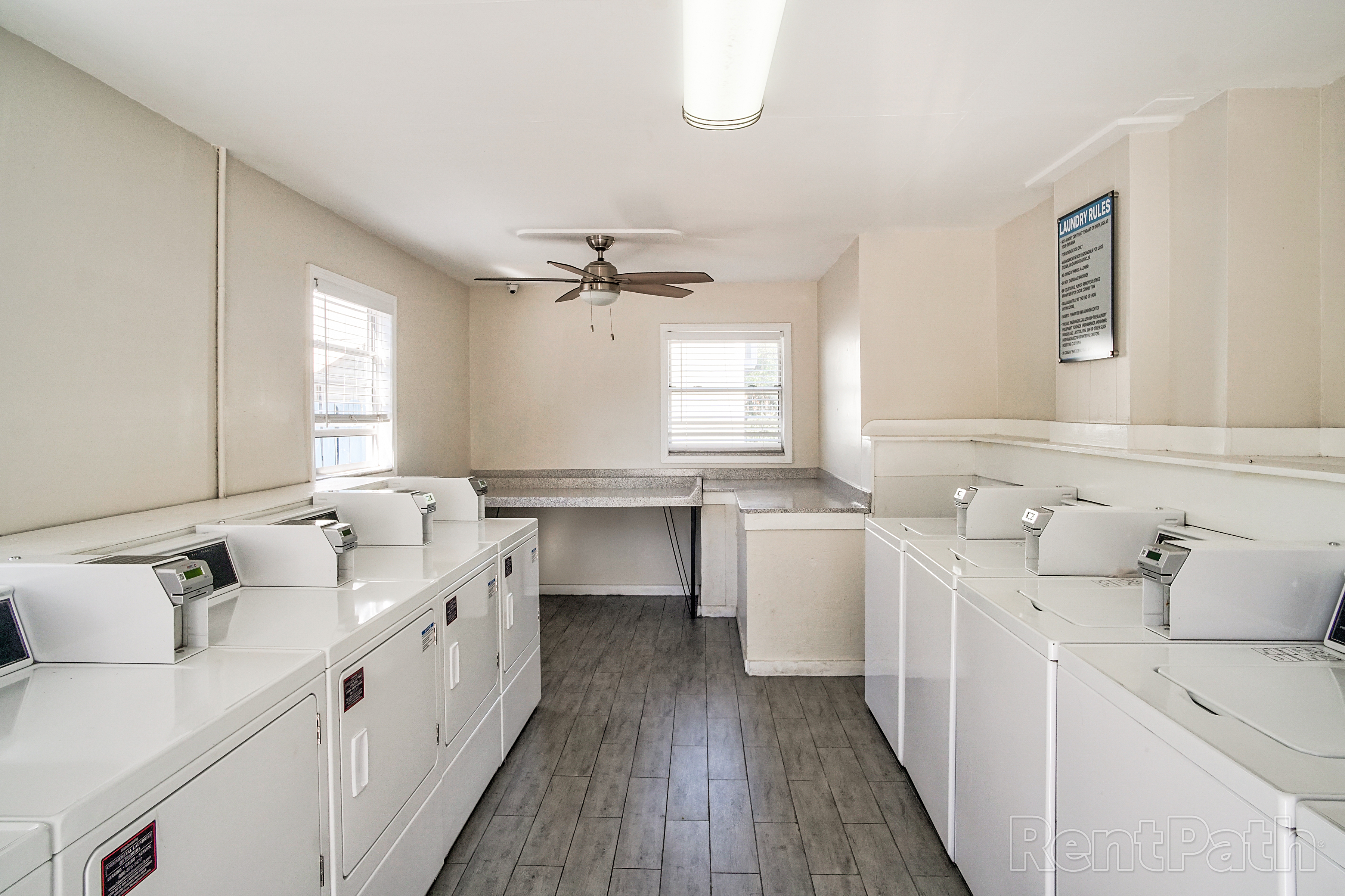 100074871_hdp_timbertrace_int_laundry