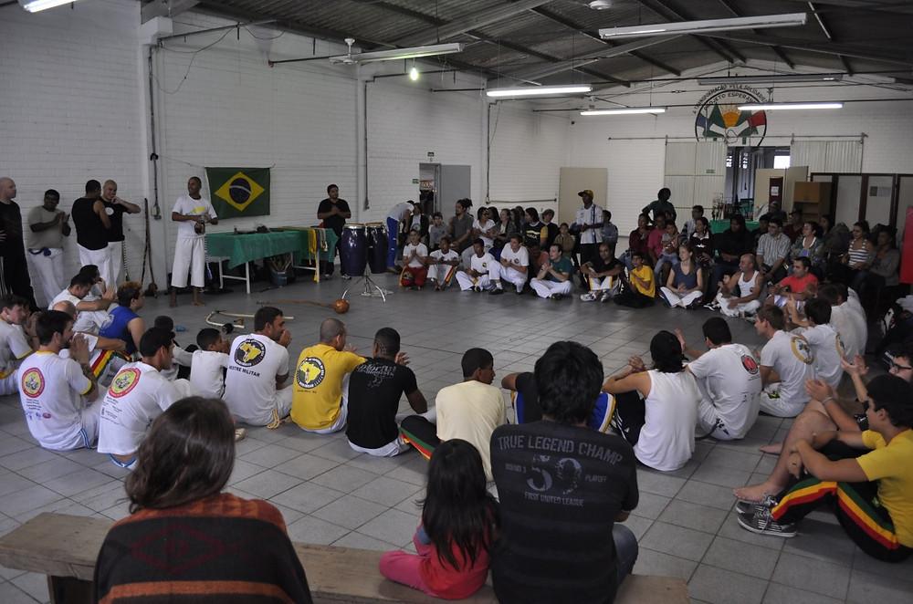 1ª_Feira_da_Biodiversidade_-_formatura_de_capoeira.jpg