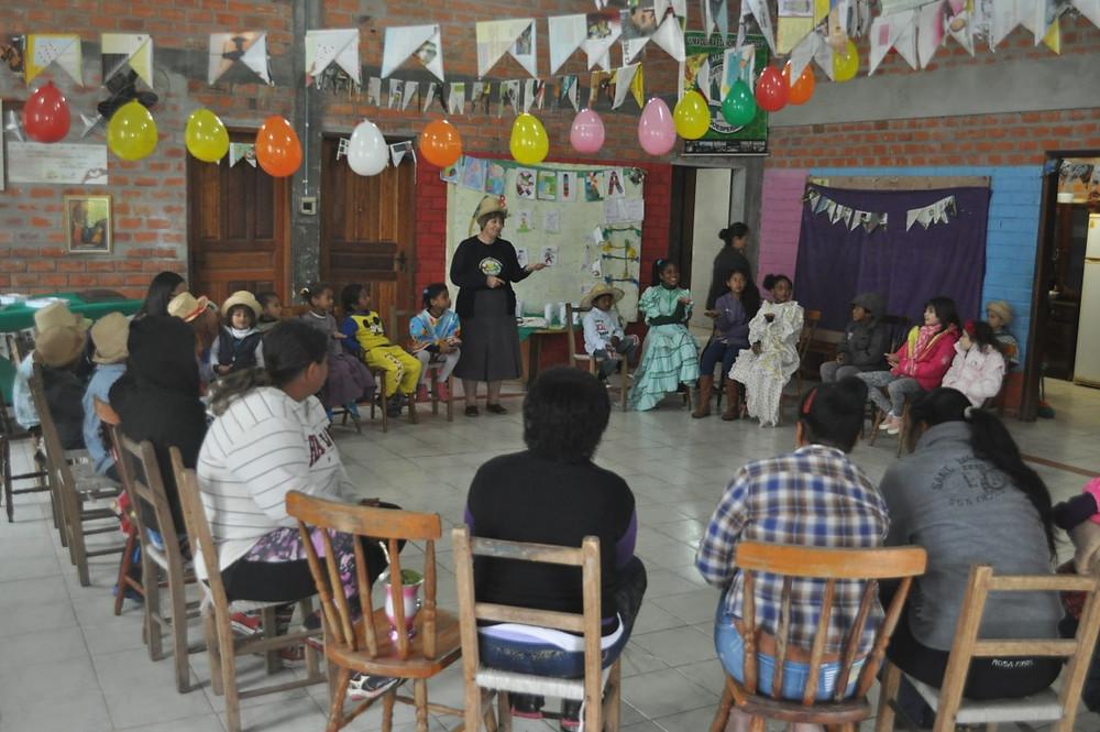 Festa junina contou com a presença da irmã Lourdes Dill