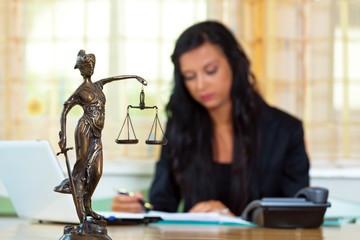 Вынесение судами частных определений по спорам о детях