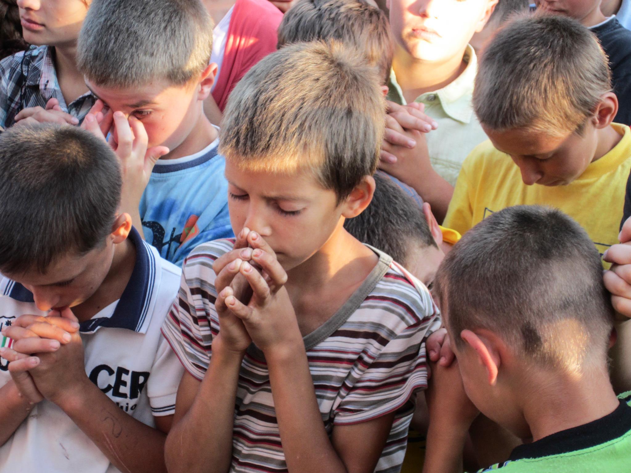 Copiii la rugăciune