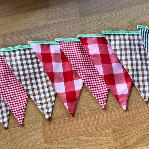 Banner bunting - lined Check pattern