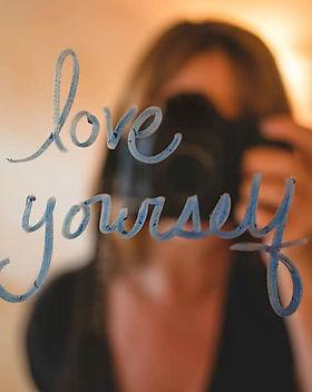love-yourself-quoteselfie.jpg
