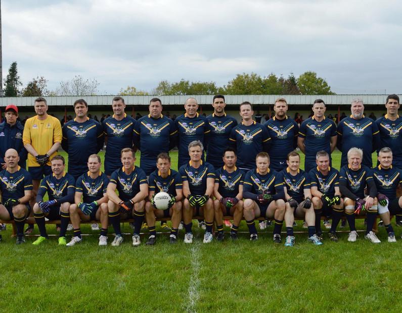team photo before day game vs irish.jpg
