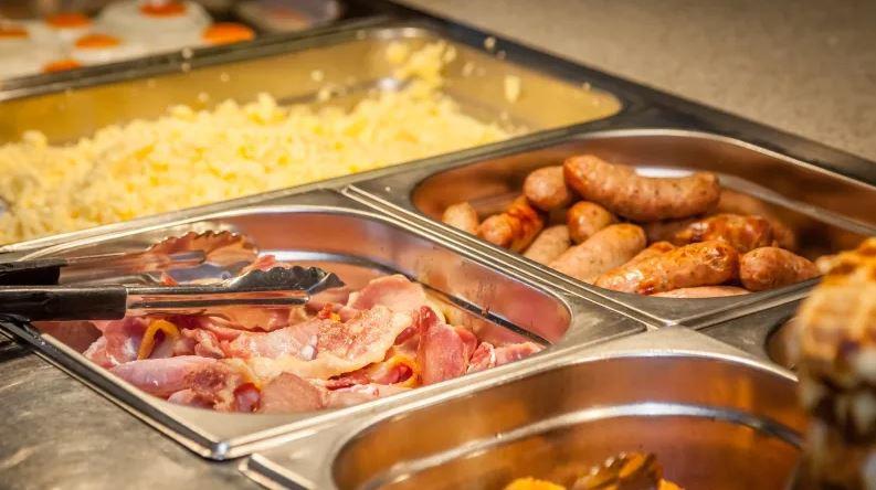 buffet breakfast.JPG