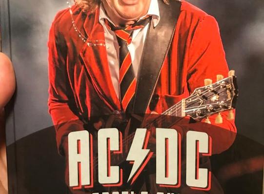 """Джесси Финк """"AC/DC. Братья Янг"""""""