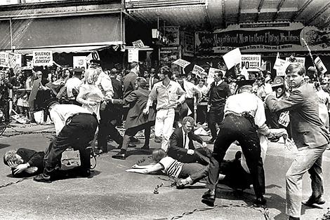 protestors.png