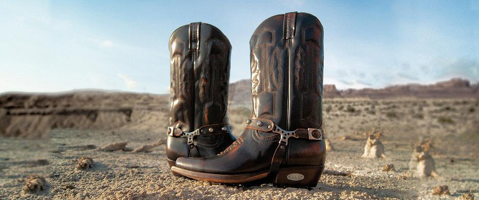 Botas Loblan de cuero artesanales de tipo texana, coleo, biker, urbana, casual, para damas y caballeros. Venta online de calzado. Loblan