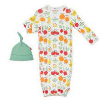 Magnetic Me Gown and Hat Set