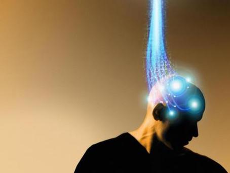 Des implants pour augmenter le cerveau : en avons-nous vraiment besoin ?