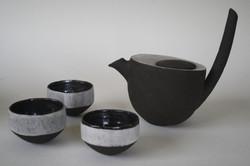 Théière grès noir et porcelaine
