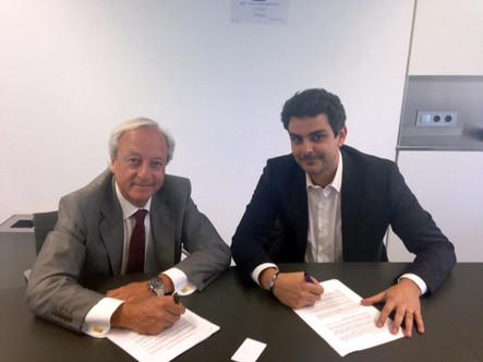 Signatura del conveni amb EsadeCreapolis