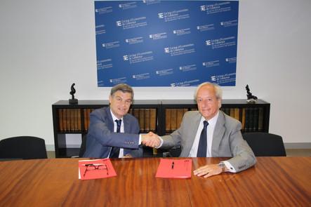 Signatura del conveni amb el Col·legi d'Economistes de Catalunya