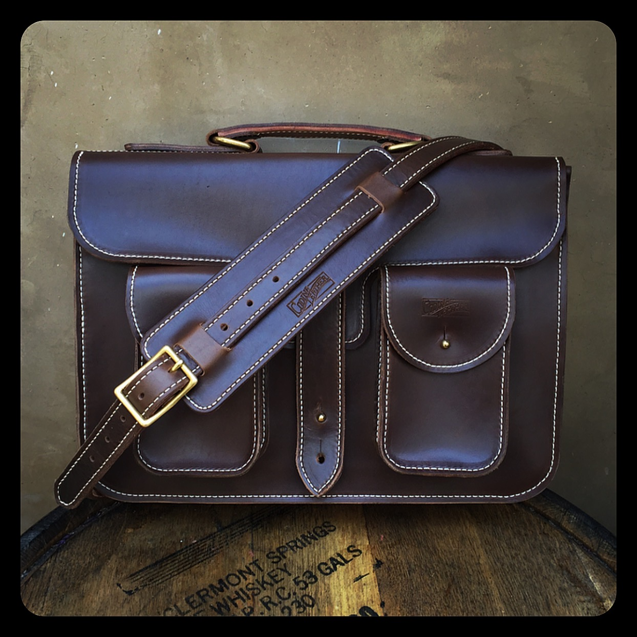 Brown Horween Chromexcel messenger bag w