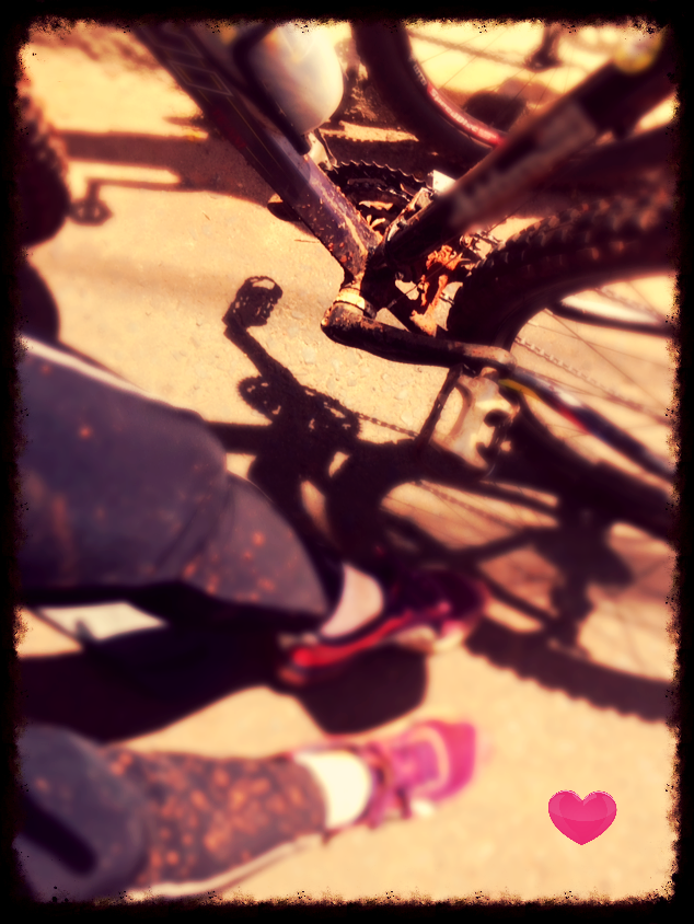 mulheres ciclismo, catraca e coroa, bike