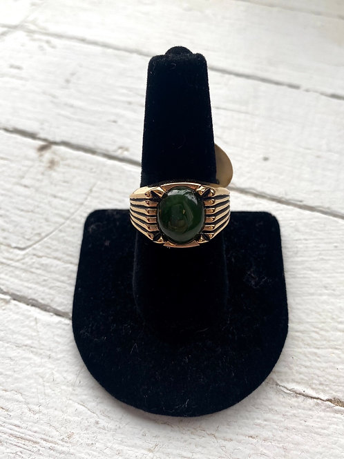 Gold/green stone ring