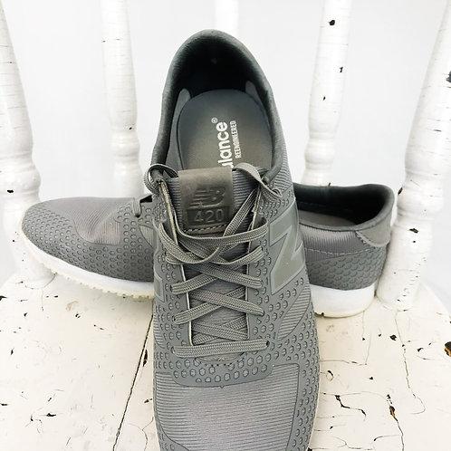 New Balance Grey Sneaker