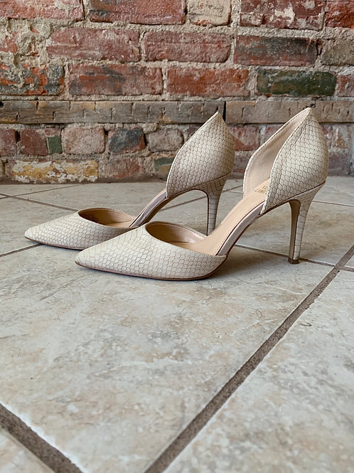 Vince Camuto (7.5)