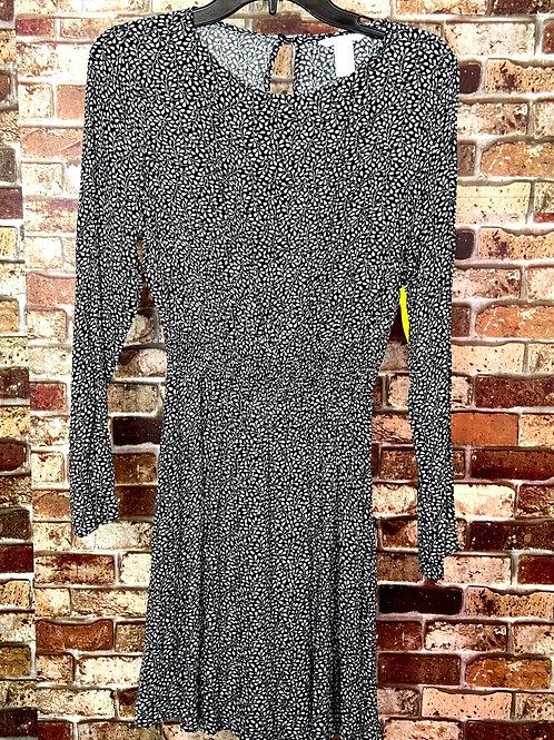 H&M black and white pattern