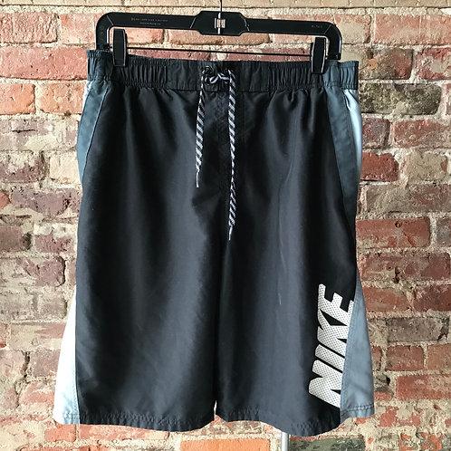 Nike (M)