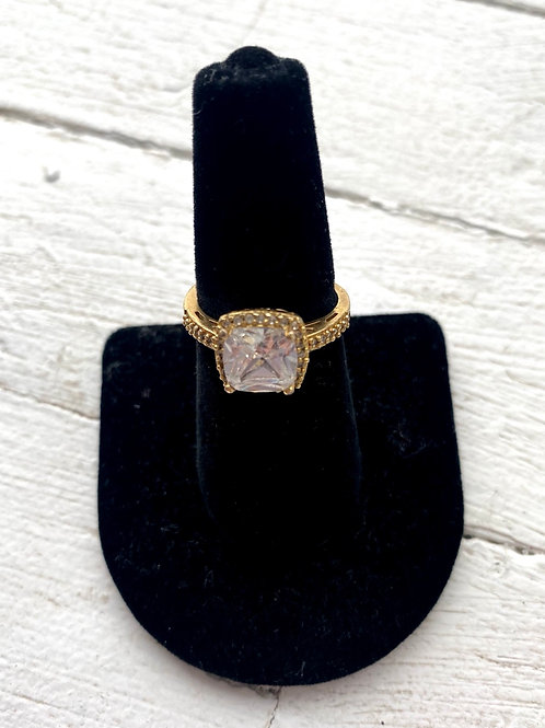 Gold/stone ring