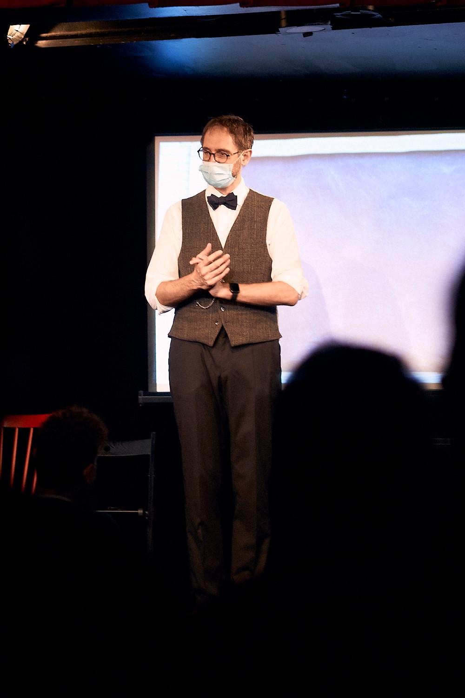 Laurent Tesla mentaliste et hypnotiseur en spectacle (2)