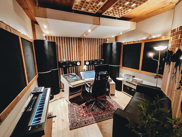Cargo Island Studio 1