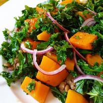 Søtpotet og grønnkål salat