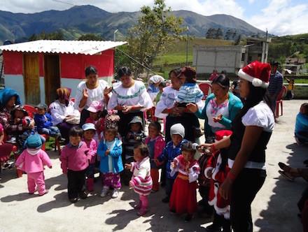 Celebración de Navidad en el Pre- Escolar, Caluquí Alto