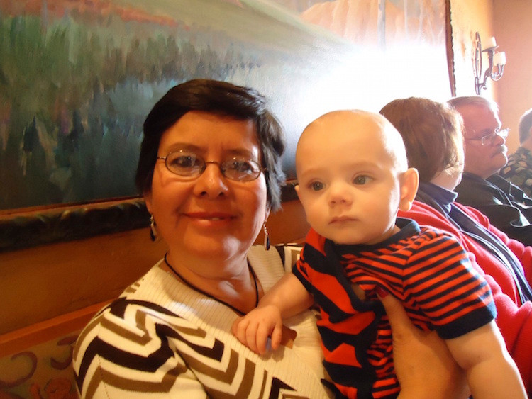 Blanca Con Bebé Thomas