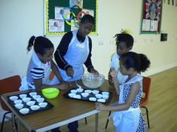 children making cupcakes