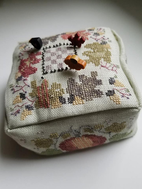 Square Pin Cushion - FINISHED WORKS