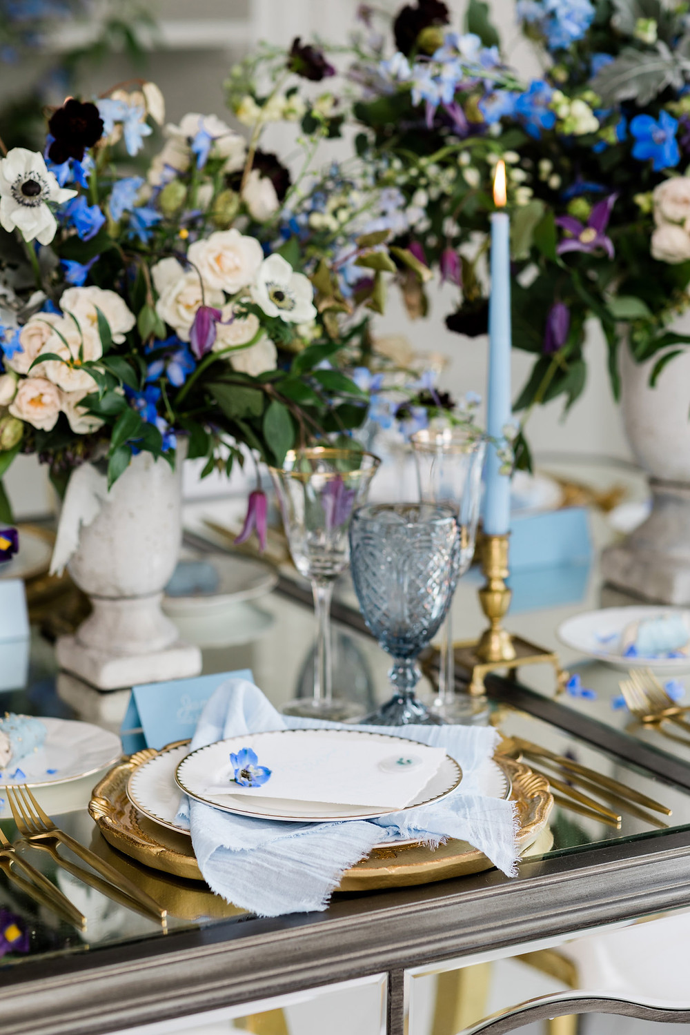 luxury toronto wedding inspiration blue flower reception decor tabletop candles