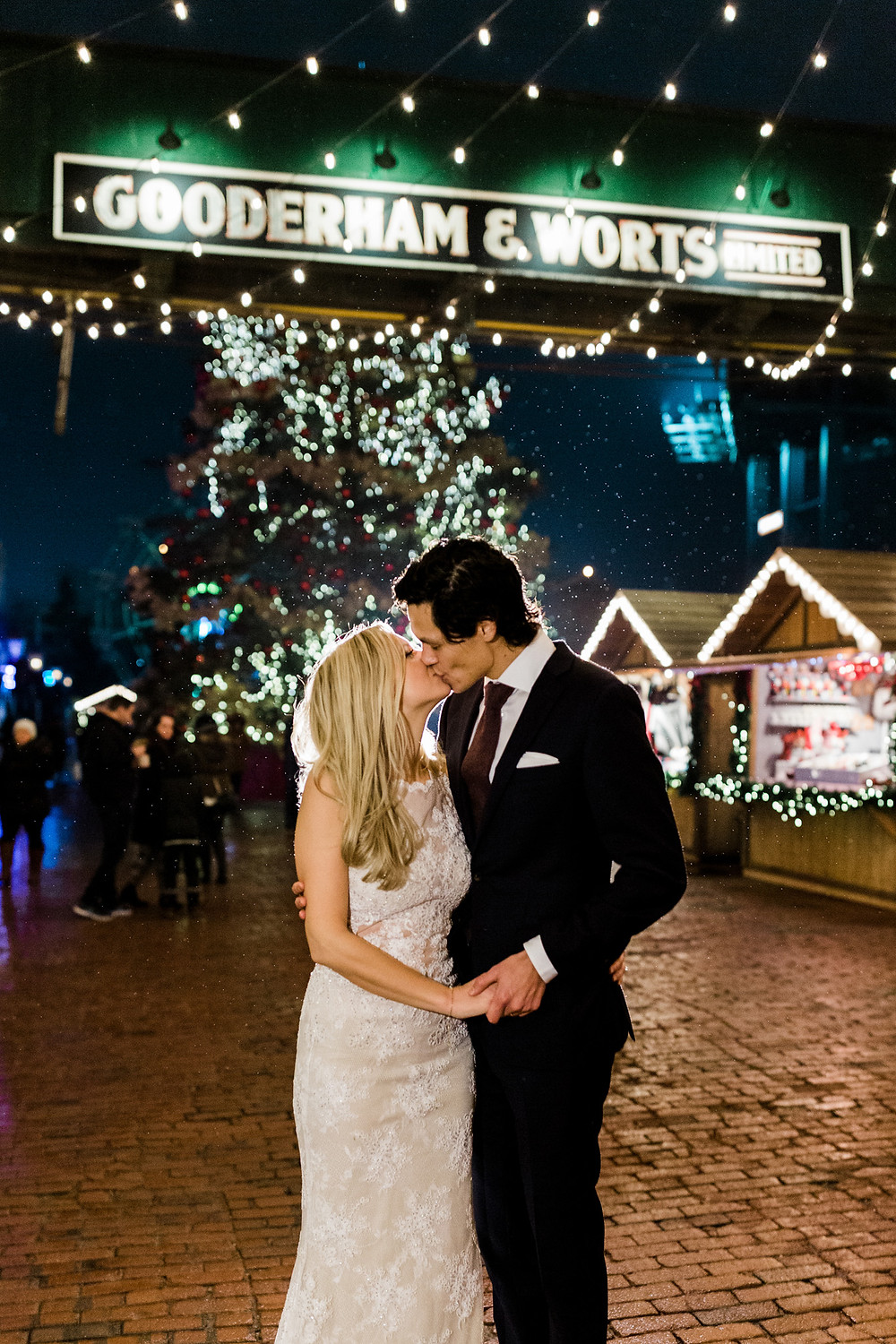 distillery district bride and groom christmas market night photography toronto