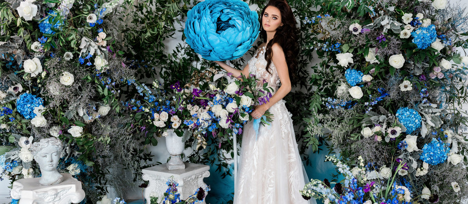 Blue Flowers and Romanticism: Luxury Wedding Inspiration