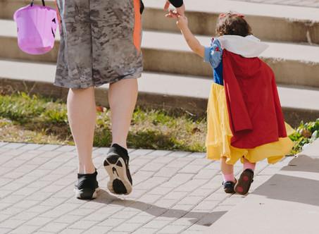 He shouldn't be wearing princess dresses!