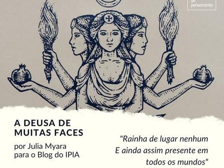 A Deusa de muitas faces