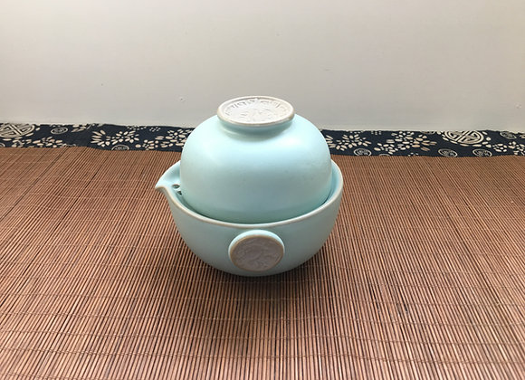 Handmade Travel Teapot and Cup In One, Dragon, Chinese Ruyao 汝窯快客杯