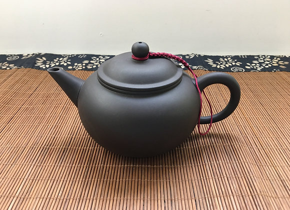 Black Traditional Type Kong Fu Tea Pot- Long Spout, 200cc (Made in Taiwan) 傳統茶壺