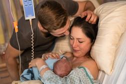 Geburtsreportage Geburtsfotografie Sankt Veit Kärnten Neugeborenes Newbornfotograf Neugeborenenfotograf Krankenhaus