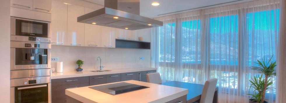 301 kitchen 2.jpg