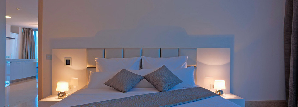 401 master bedroom.jpg