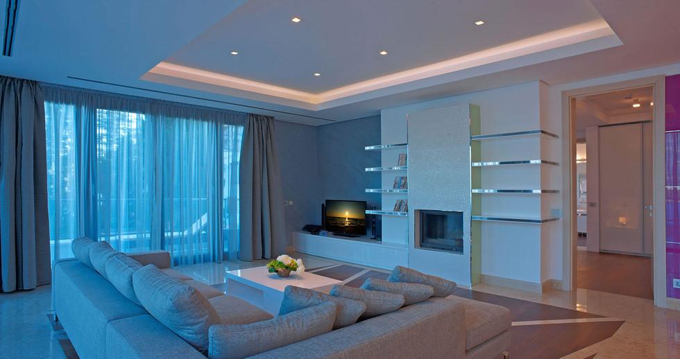 401 living room 3.jpg