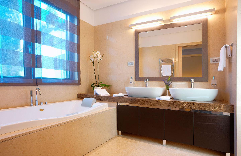 301 master bathroom.jpg