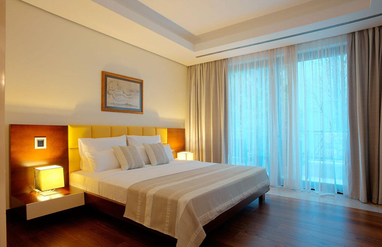 201 master bedroom 2.jpg