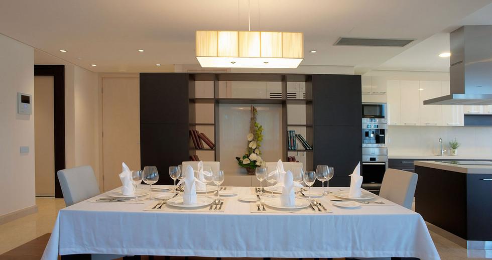 301 kitchen.jpg