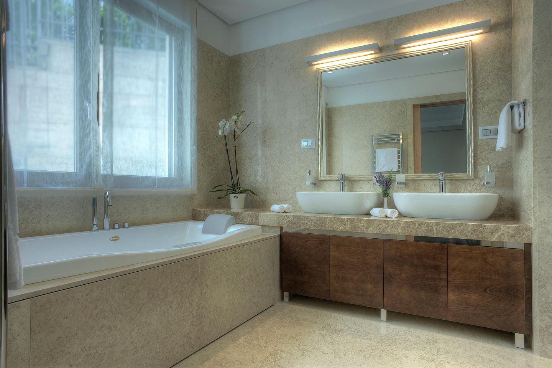201 master bathroom