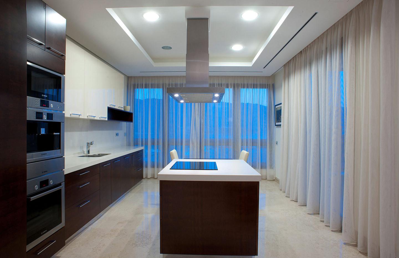201 kitchen.jpg